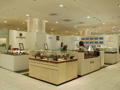 5つのジュエリーブランドを集積した「LION HEART GOLD渋谷パルコ店」