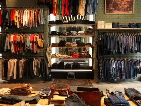 世界4店舗目としてオープンした「Levi's Vintage Clothing」では「501シリーズ」などビンテージモデルにスポットを当てた商品を展開する