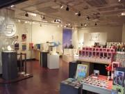 渋谷パルコでファッションドール「momoko」展-ミニチュア撮影スペースも