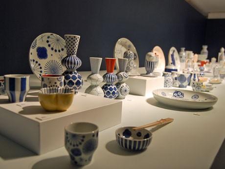 石川県の伝統工芸「九谷焼」の窯元「上出長右衛門窯」とコラボレーションしたテーブルウエア