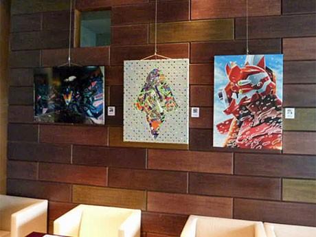 店内にはさまざまなジャンルのクリエーターが手掛けた「エヴァンゲリオン」のアート作品を展示している