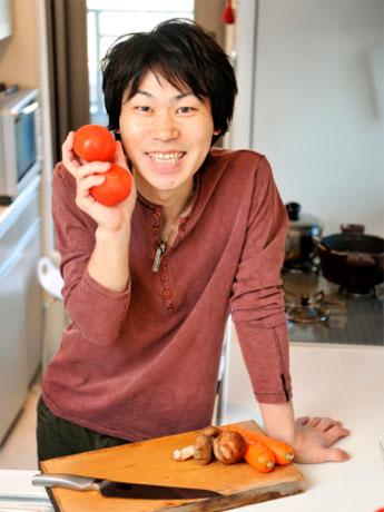 当日は「こうちゃん」の愛称で知られる料理研究家・相田幸二さん(=写真)の料理実演つきトーク―ショーなどを展開