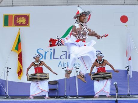 スリランカカレーなどのフード類などのブースや舞踏・歌などのステージを展開(写真は昨年の様子)