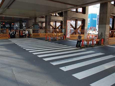 5月7日深夜で廃止される横断歩道