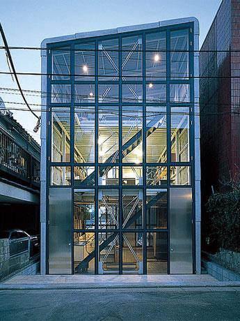 手塚建築研究所が設計した建物にオープン