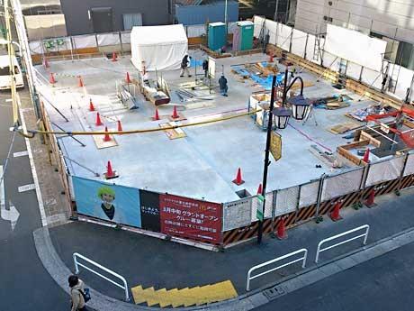 3月オープンに向け新築工事が行われている「マクドナルド恵比寿駅前店」出店予定地