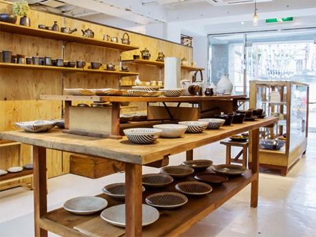 昨年の「TOTTORI craft」の様子。陶磁器や和紙などの手仕事、食、観光情報を紹介した