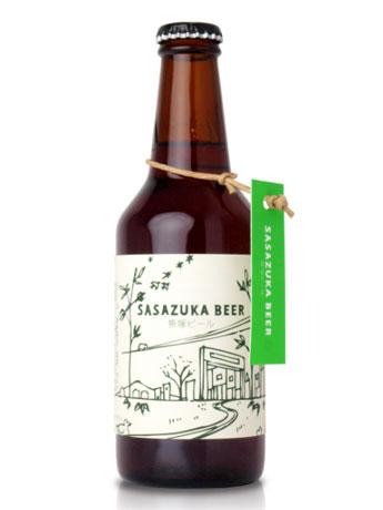 笹塚の街を想起させるラベルの「笹塚ビール」