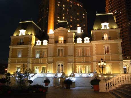 恵比寿ガーデンプレイス内の高級フレンチ「ジョエル・ロブション」(=写真)は7年連続で3つ星を獲得