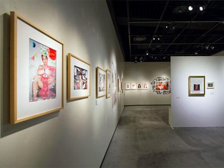 アーティストのコラボワークを展示する場内。Photo: Wataru Kitao