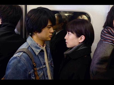 3作品で受賞を果たした池松壮亮さんが出演する「紙の月より」©2014「紙の月」製作委員会