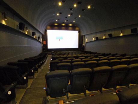 187席を配置するスクリーン1
