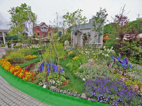 絵本にも登場する湖水地方の「ヒルトップ農場」をイメージした庭
