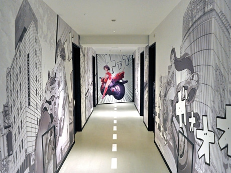 QFRONTやザ・プライムなど渋谷のビルを壁に描いた2階「漫画」フロア