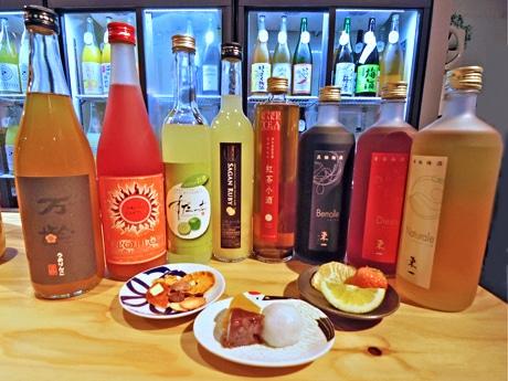 期間中提供する佐賀産梅酒・果実酒と甘い佐賀名産品