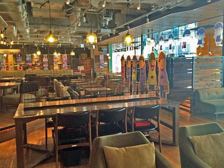 「おそ松さん」とコラボしているタワーレコードカフェ渋谷店©赤塚不二夫/おそ松さん製作委員会