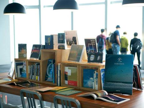 「世界にまつわる」本を販売する「五大陸書店」のイメージ