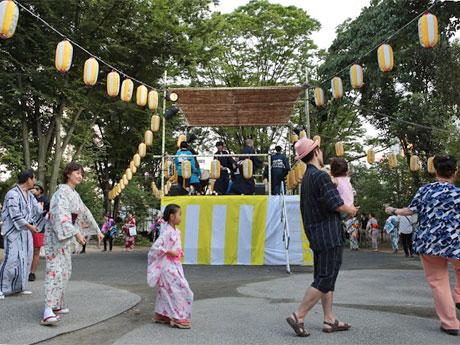 昨年開催時の盆踊りの様子