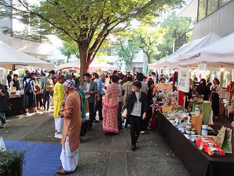 昨年開催時の市場の様子