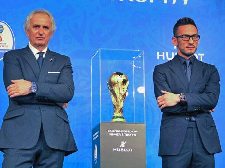 イベントに参加した(左から)ヴァイッド・ハリルホジッチ監督、中田英寿さん