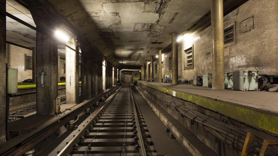 現在は機器類の保管場所に使われている旧神宮前駅