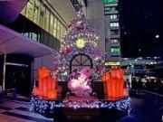 渋谷ヒカリエにミッキー&ミニーのXマスツリー 点灯式に柴咲コウさん