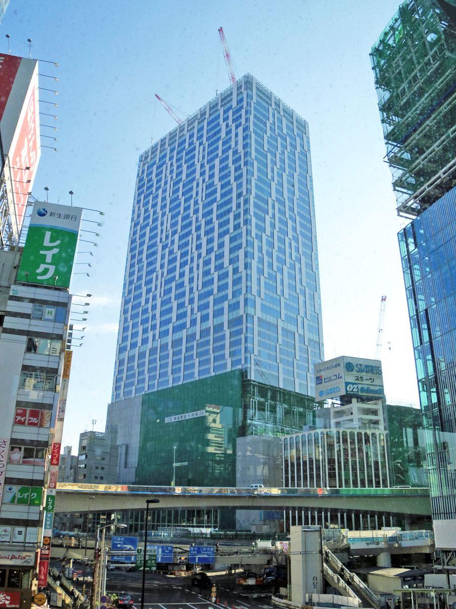 建設工事が進む「渋谷ストリーム」(中央)
