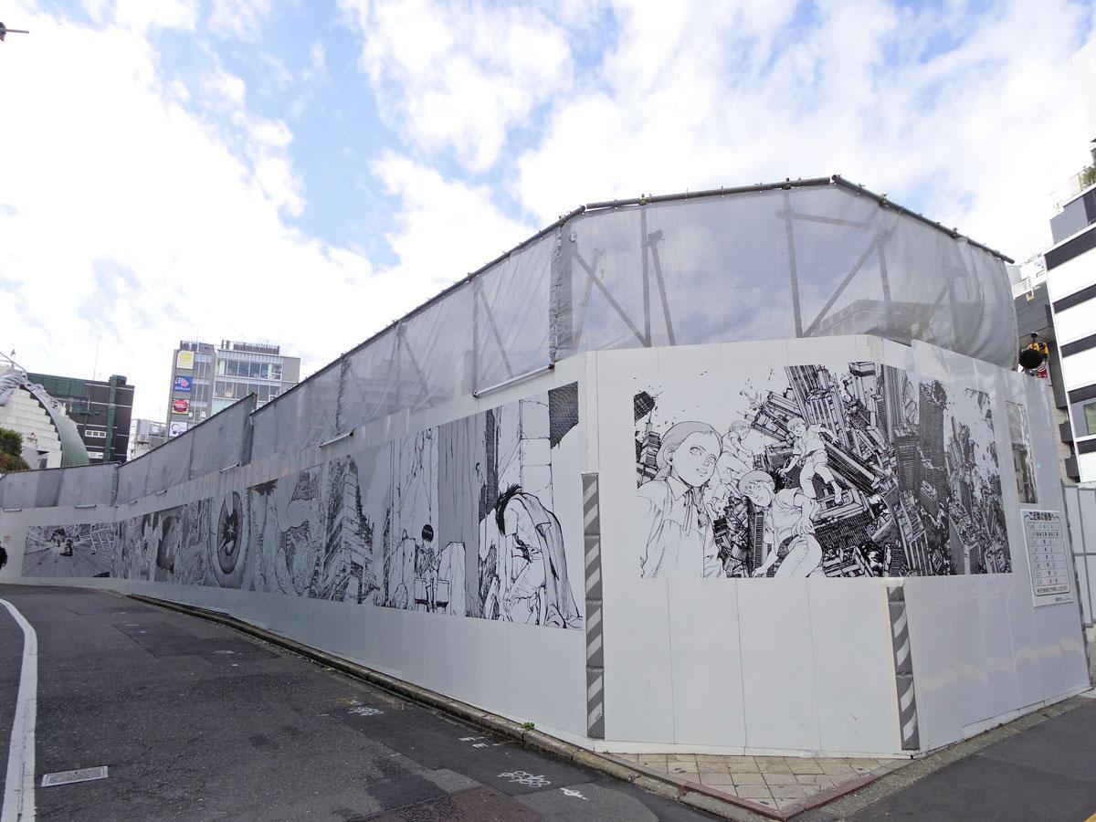 ペンギン通りから公園通りにかけて掲出している作品