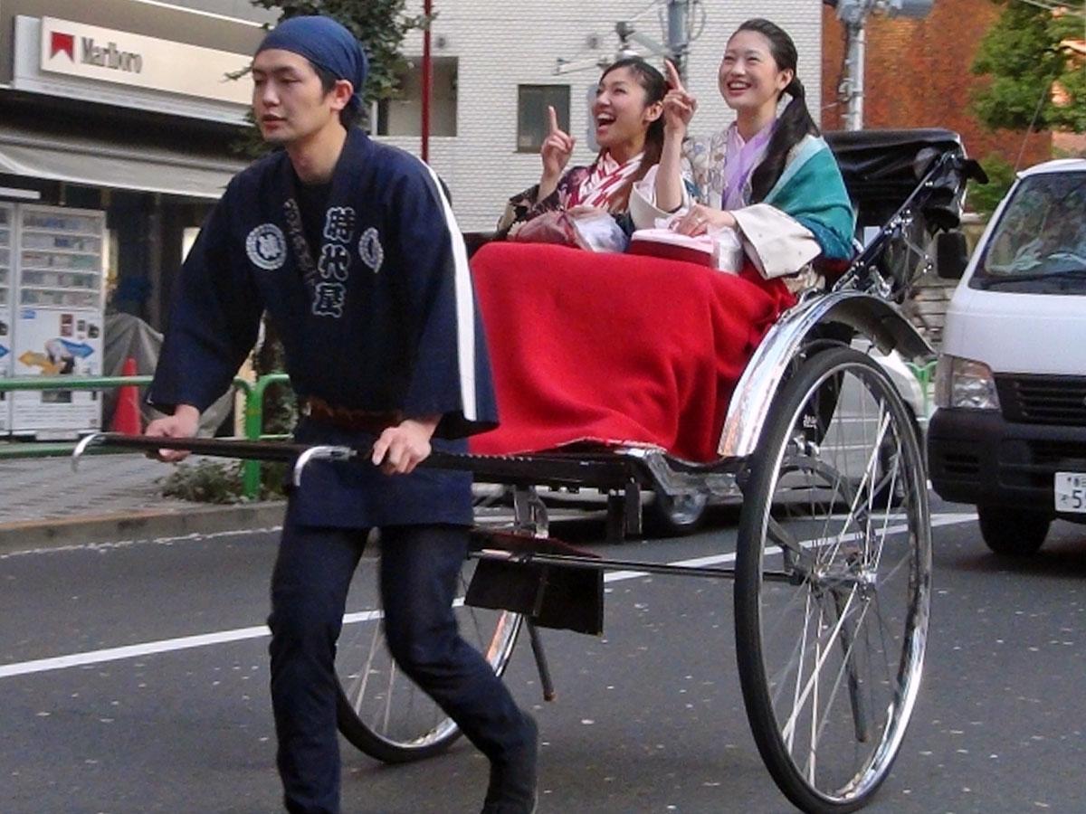 人力車で渋谷の街を散策する企画も用意(写真はイメージ)