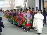 国学院大学で「加冠式」 平安時代の儀礼で新成人祝福