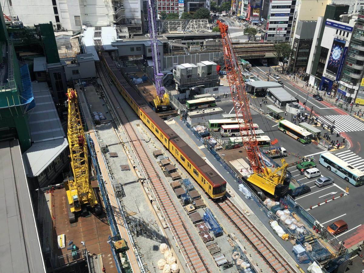 5時1分の始発から営業を再開した銀座線渋谷駅