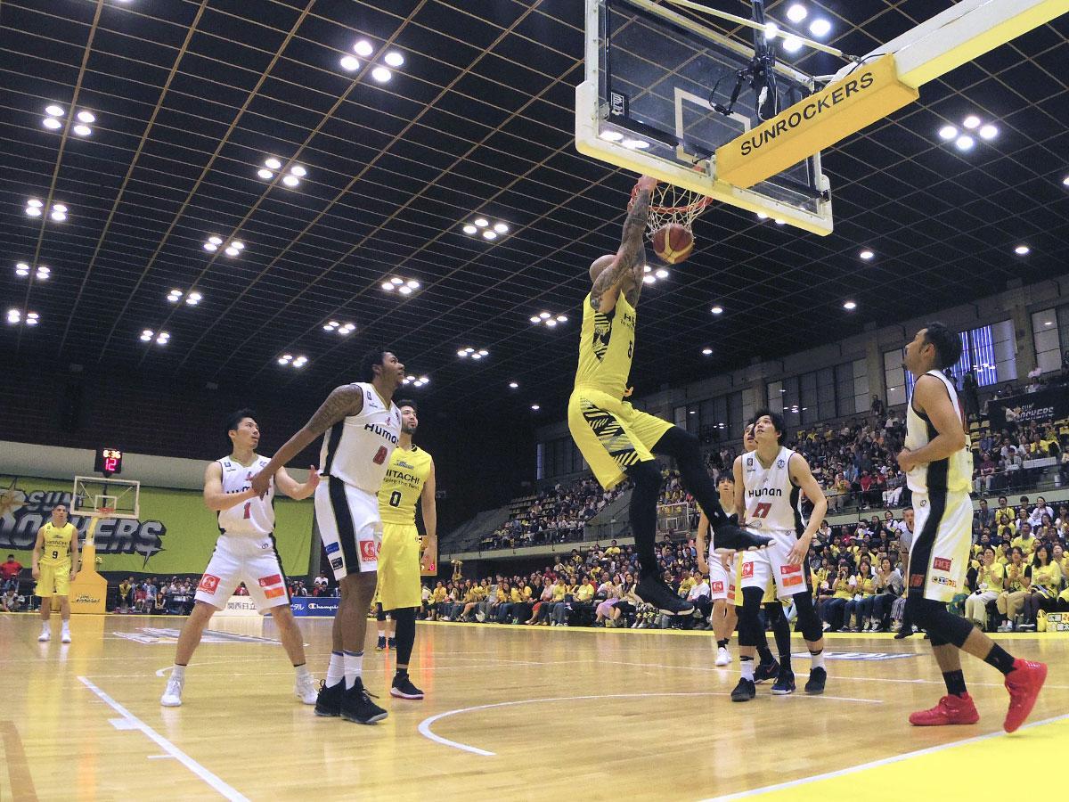 シーズン最終戦を勝利で収めたサンロッカーズ渋谷(黄色のユニホーム)