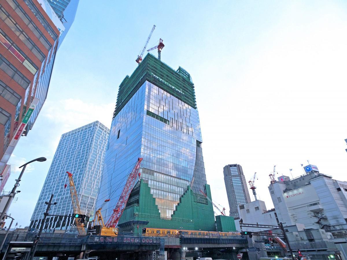 工事が進む「渋谷スクランブルスクエア・東棟」(写真中央=7月13日撮影)
