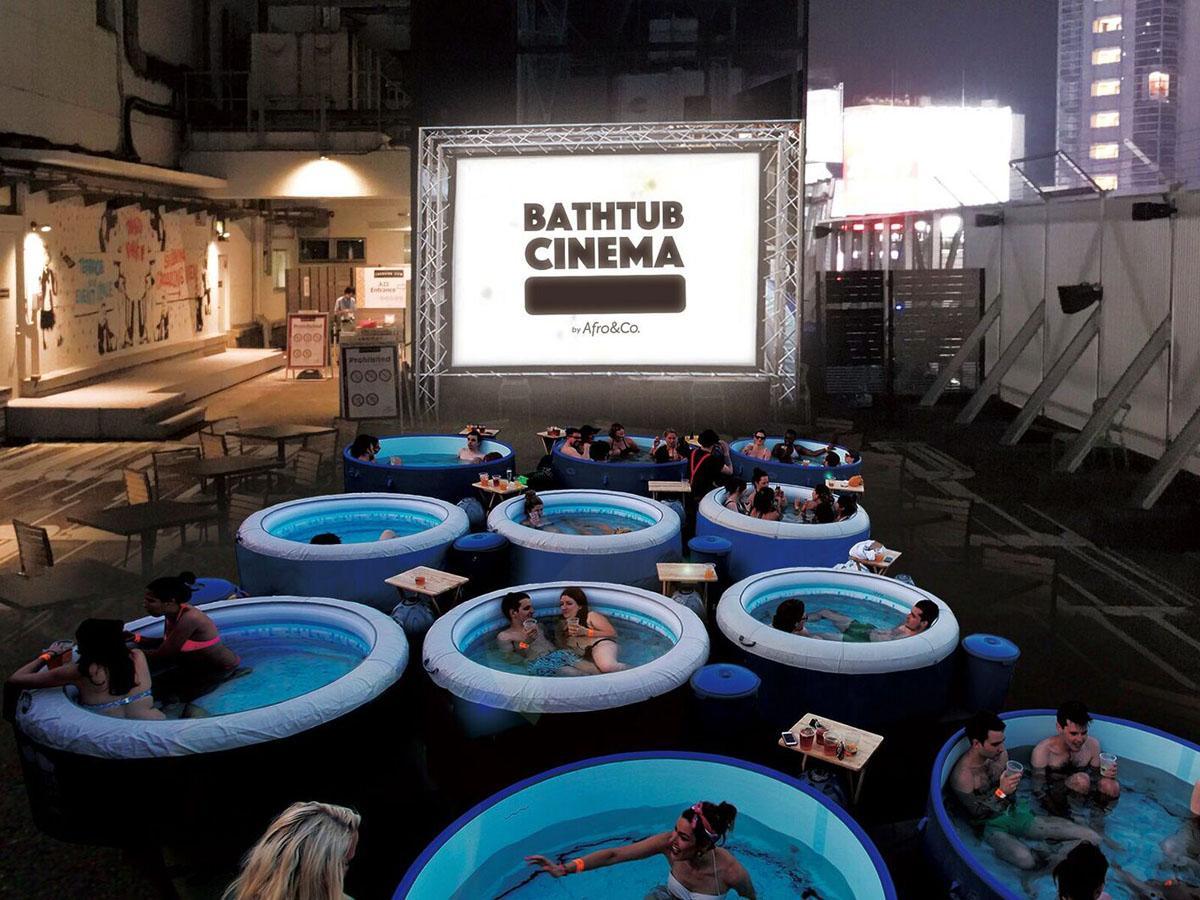 風呂に漬かりながら映画鑑賞するイベント「バスタブシネマ」イメージ