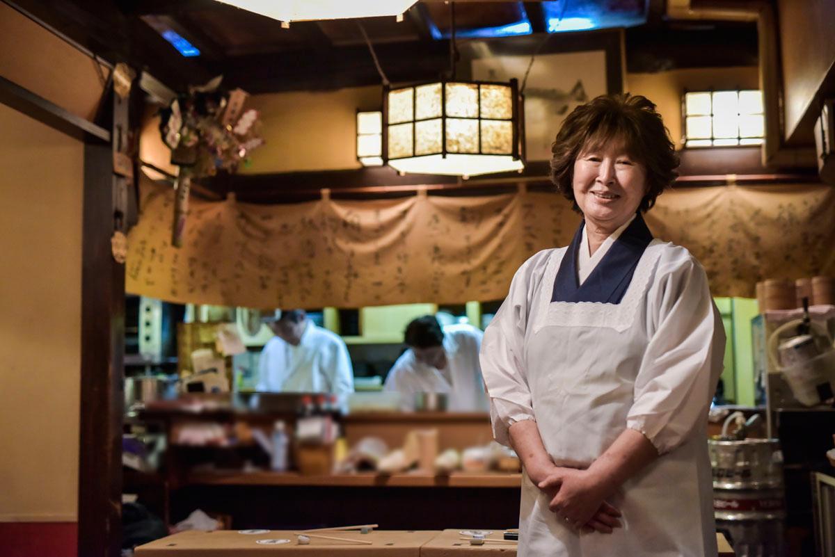 いつも笑顔で出迎えるおかみの石橋光子さん