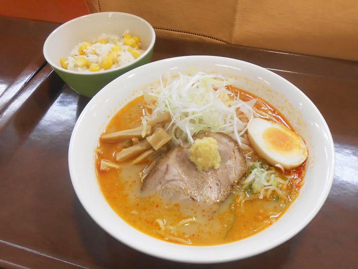 みそラーメンと「コーンご飯」のセット(500円)