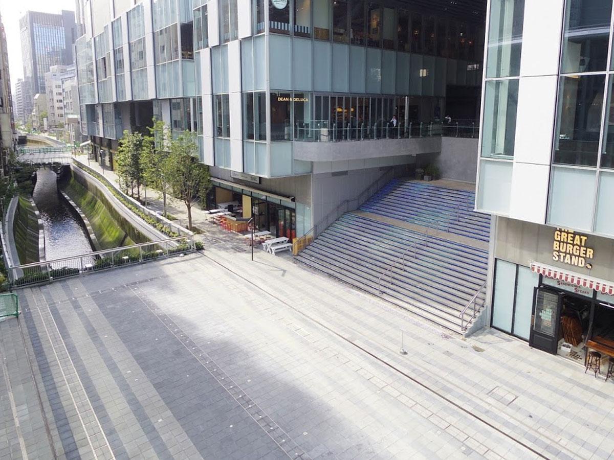 会場となる渋谷ストリーム前の広場