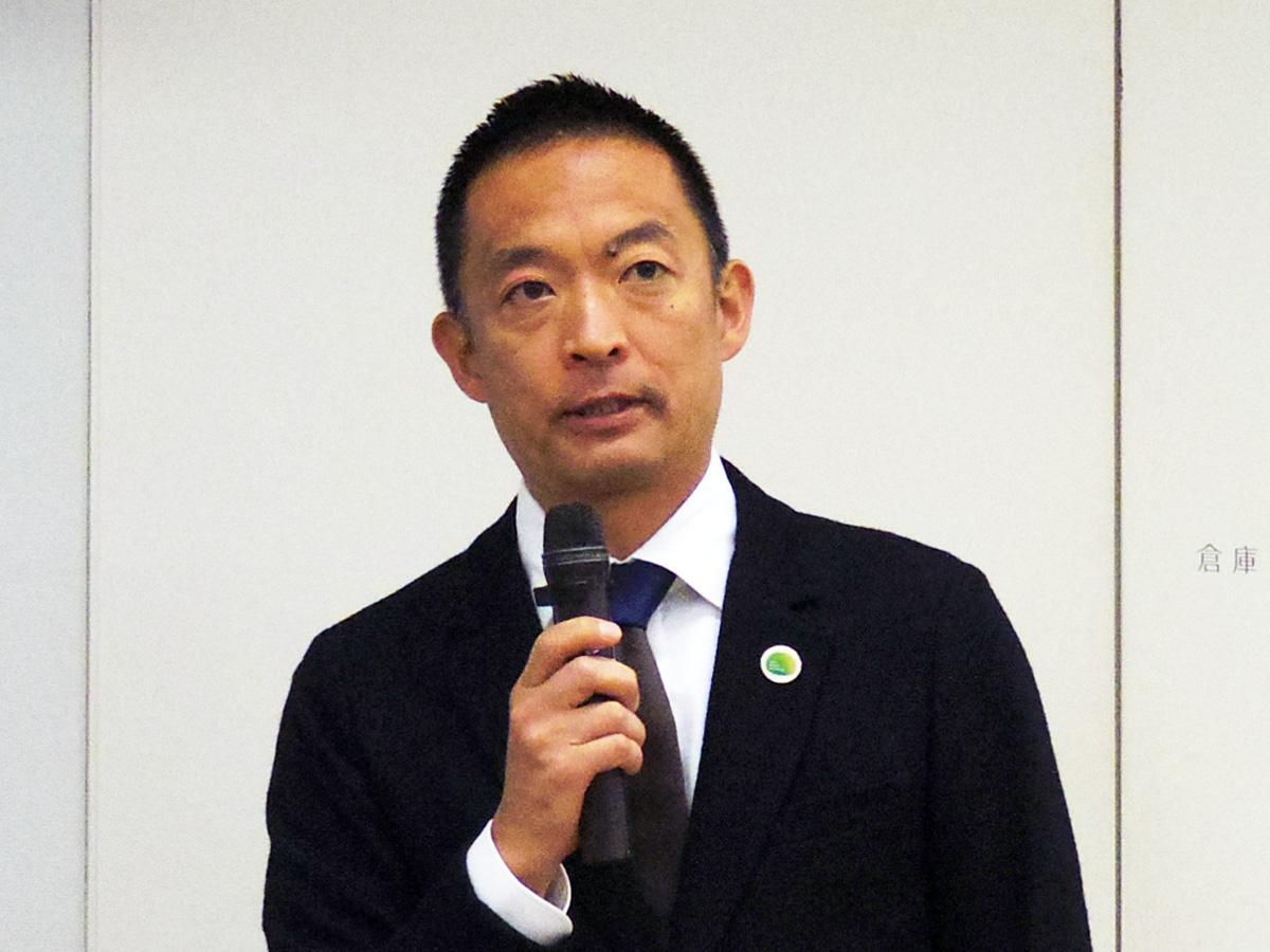コメントを発表した長谷部健渋谷区長(写真=23日の記者会見で)
