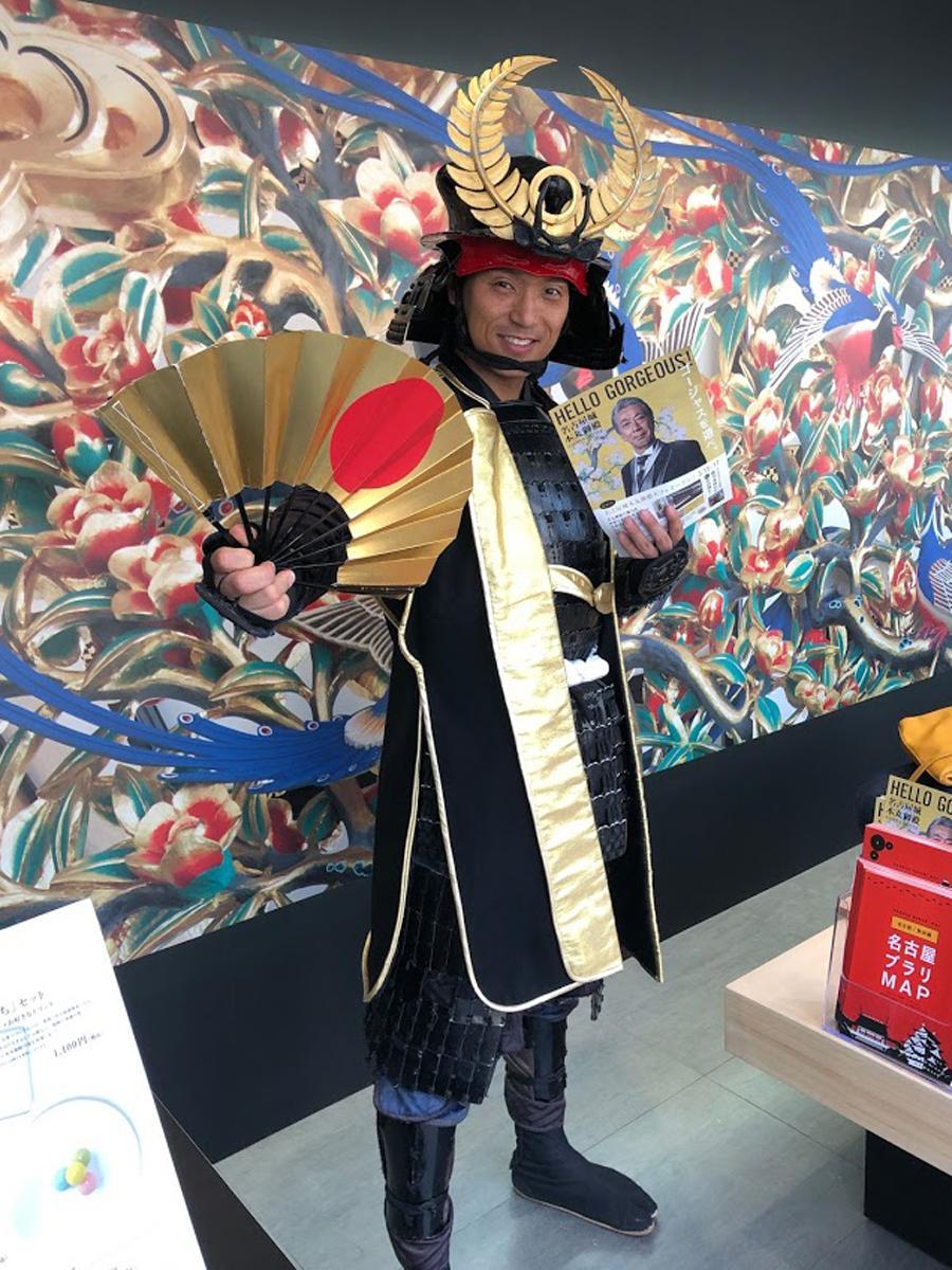 来店客をもてなす「名古屋おもてなし武将隊」の徳川家康公