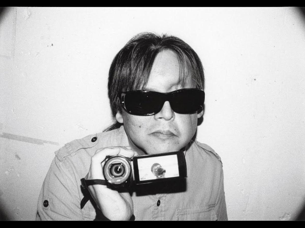 全盲の加藤秀幸さん(写真)が映画を製作する過程を追う「ナイトクルージング」より©一般社団法人being thereインビジブル実行委員会