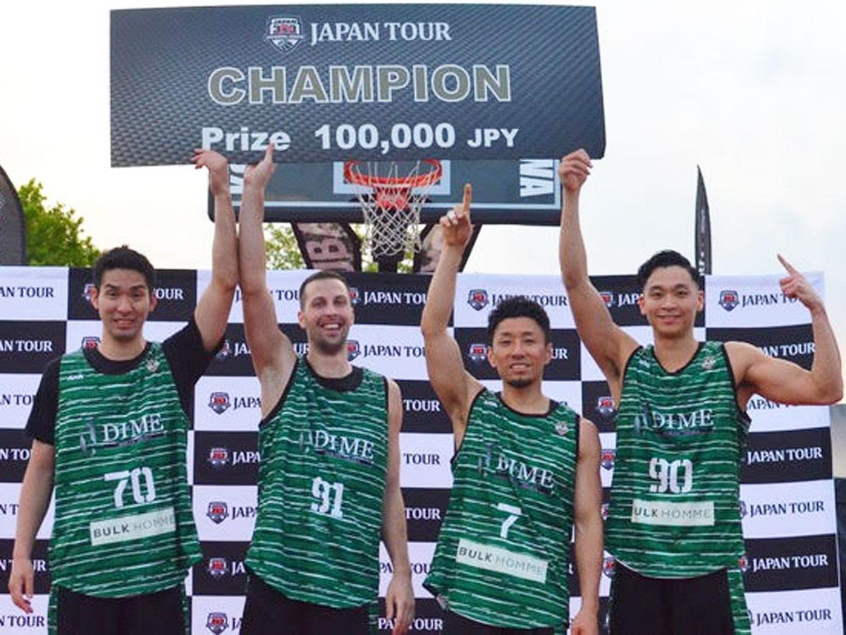 TOKYO DIMEの(左から)小松昌弘選手、ペター・ペルノビッチ選手、鈴木慶太選手、落合知也選手(写真提供:TOKYO DIME)
