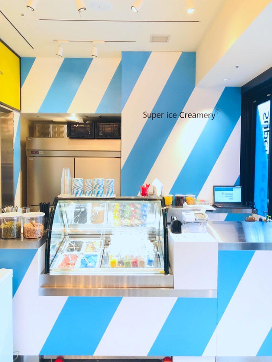 1階「FLUNKY PARLOR」内に出店する「Super ice Creamery」のカウンター