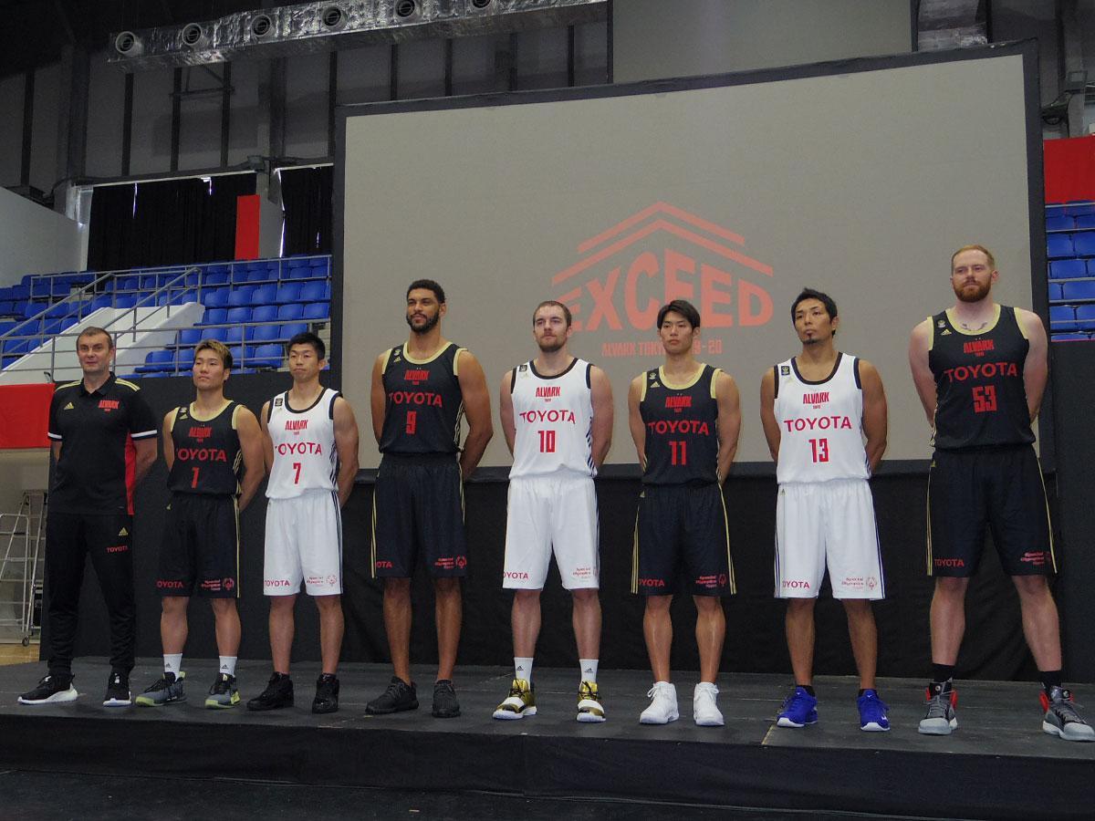 2019-20シーズンの新体制を発表したアルバルク東京
