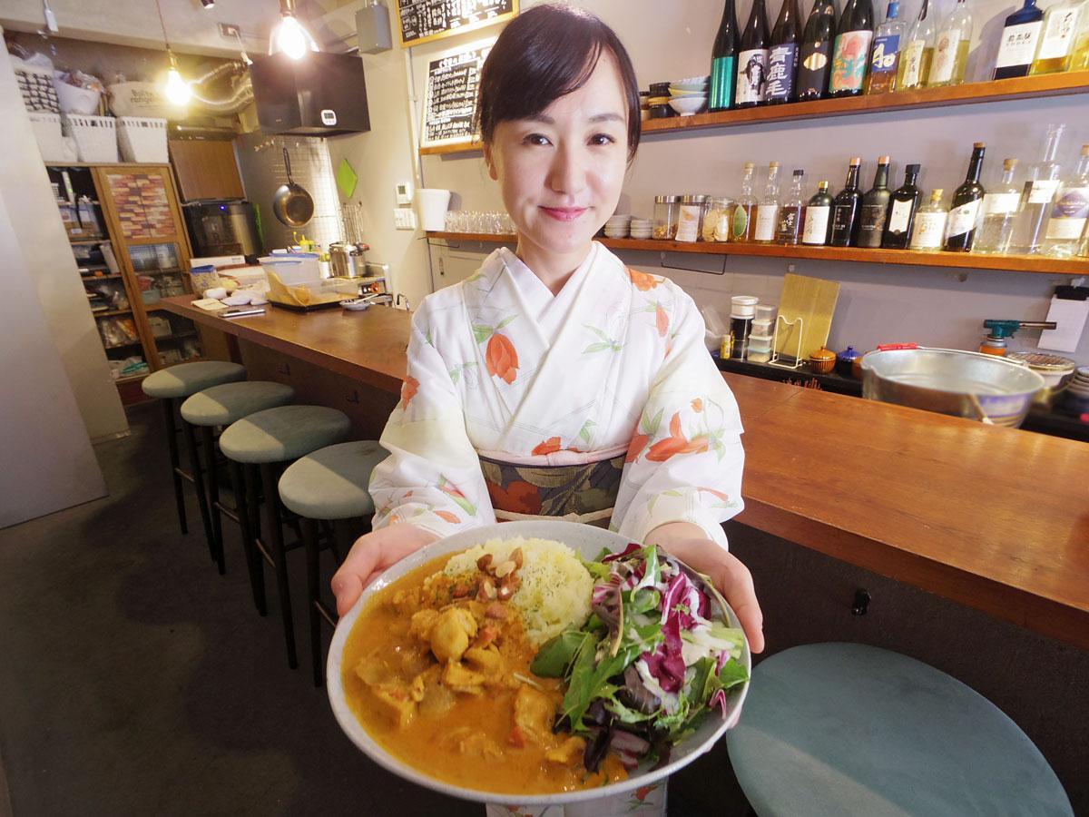 「気軽に立ち寄ってほしい」と話す元アイドルの料理研究家・稲石清美さん