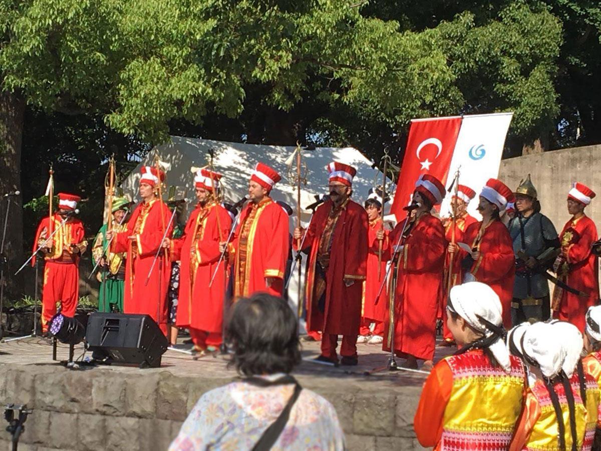 「メフテル」(トルコの軍楽隊)のイメージ