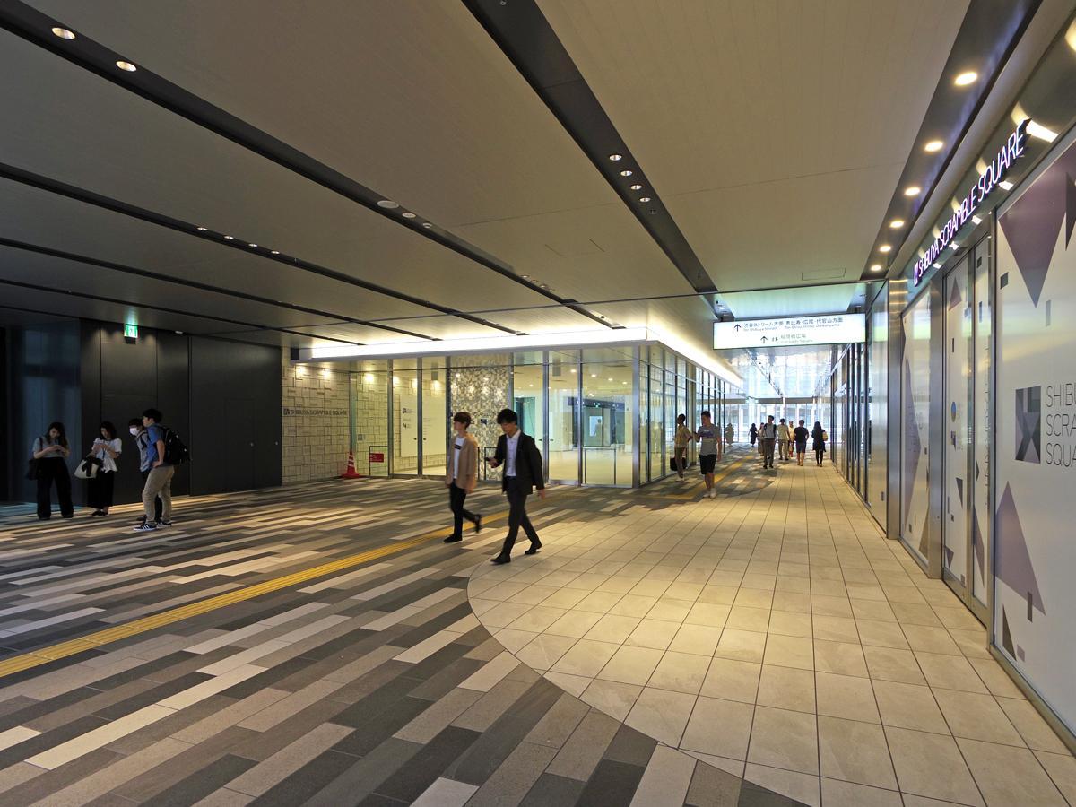 9月1日に供用が始まった「渋谷スクランブルスクエア東棟」の2階通路