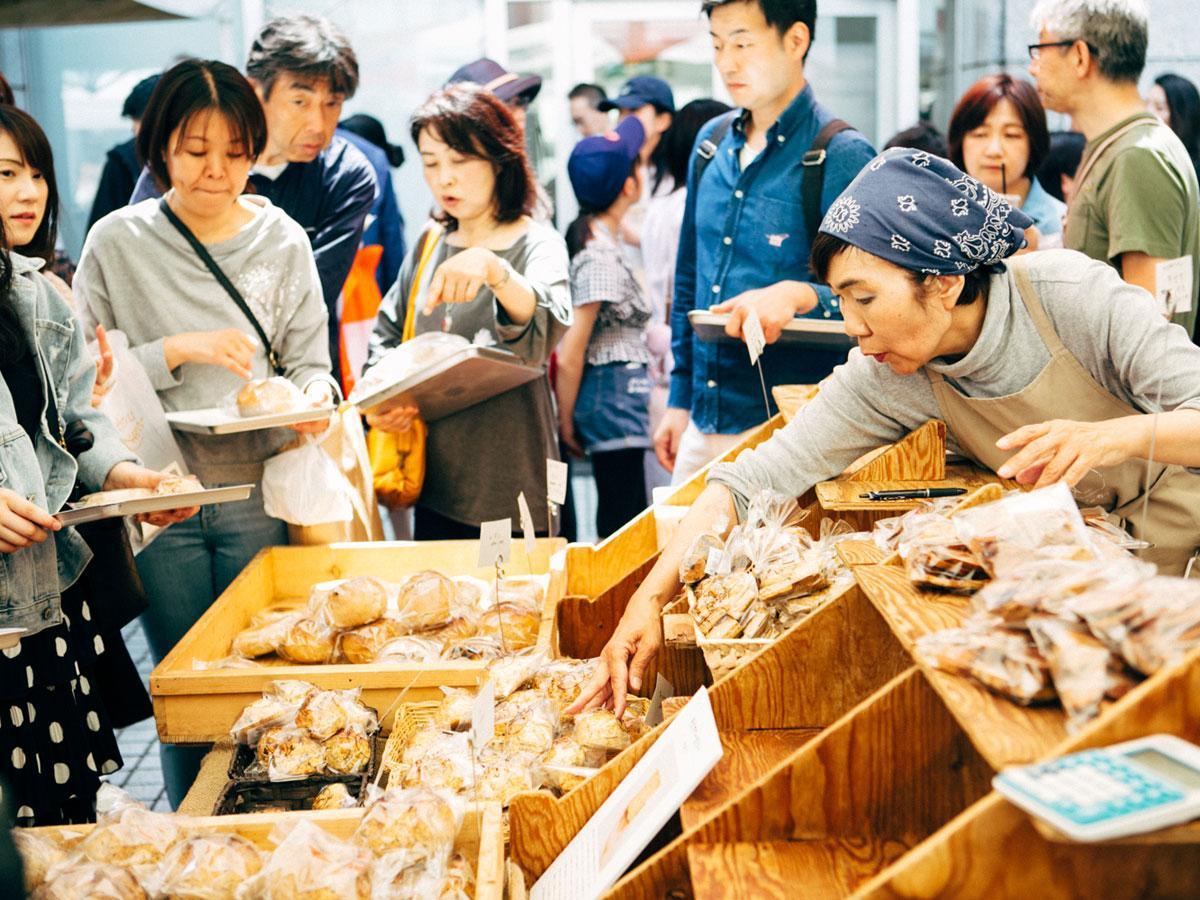 会場にはパン店を中心に80店以上が出店する(前回開催時の会場の様子)