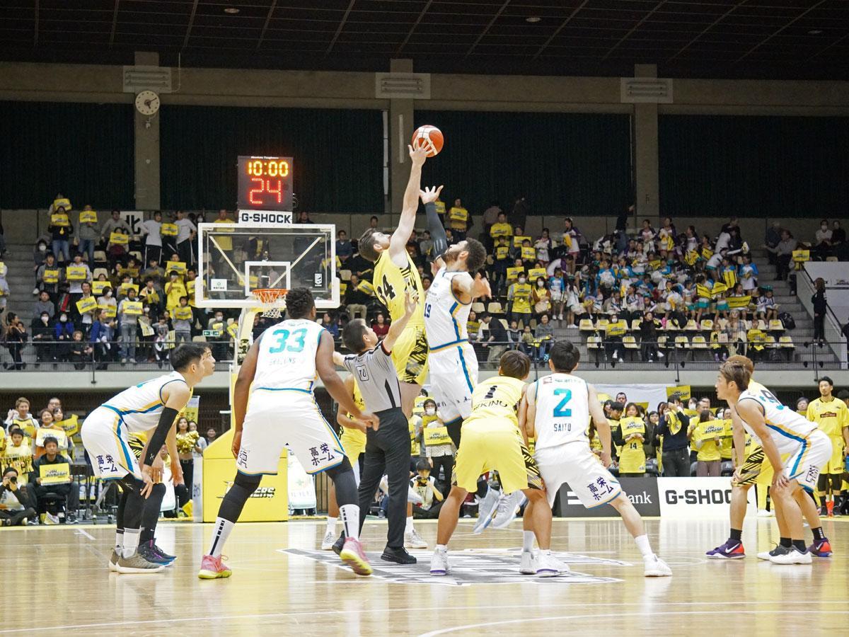 約1カ月ぶりのホーム戦となったサンロッカーズ渋谷(黄色のユニホーム)