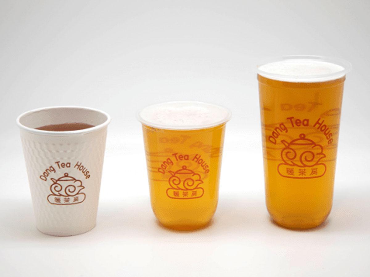 提供する台湾茶(左からホット、Mサイズ、Lサイズ)