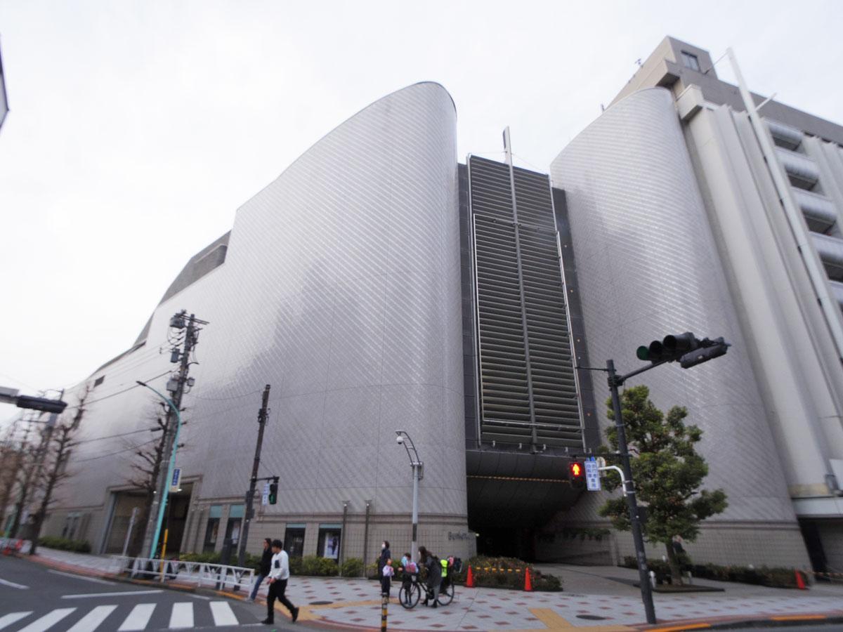 劇場やホール、映画館などを併設するBunkamura